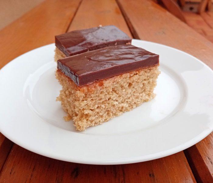 Špaldový koláč s pudingom